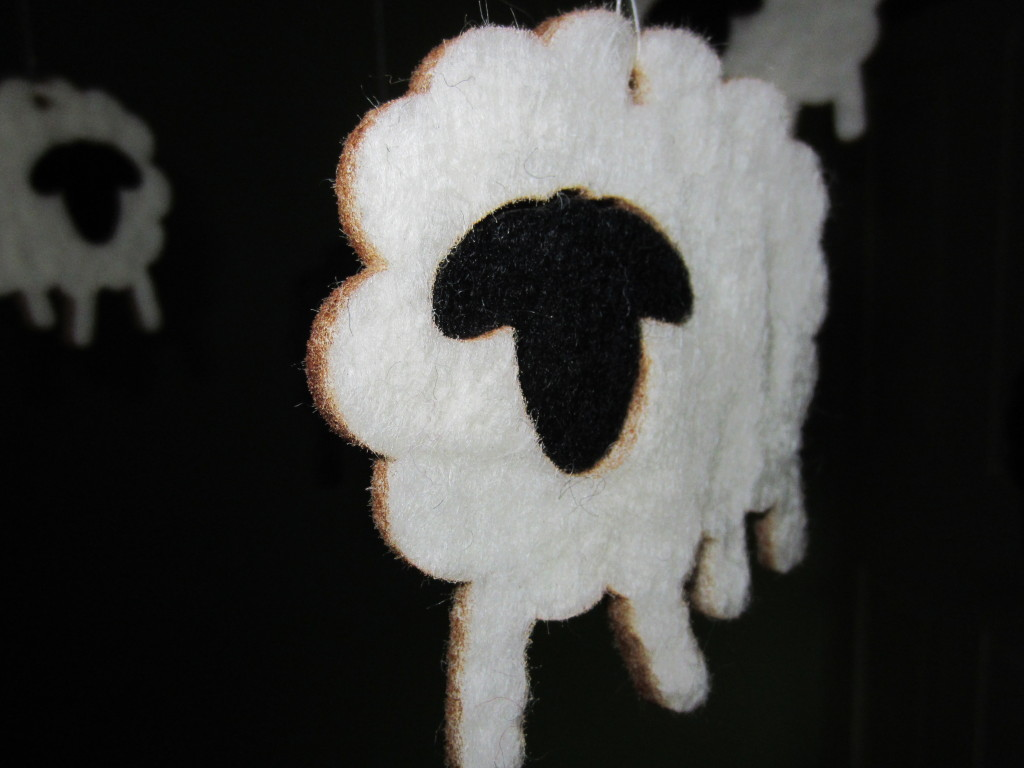 White Felt Sheep Mobile v1